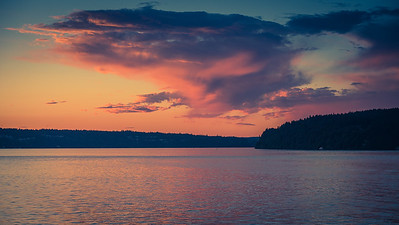 Sunset seen from the Tahlequah ferry as we leave Vashon Island.