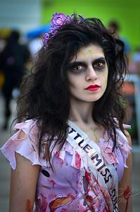 20121006_Zombie_Walk_2012_19136