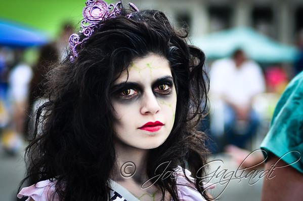 20121006_Zombie_Walk_2012_19137