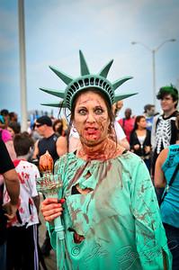 20121006_Zombie_Walk_2012_19352