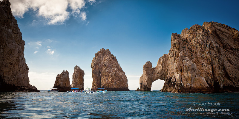 "<strong>El Arco de Cabo San Lucas</strong><br> <p>Read the <a href=""http://anvilimage.com/2011/04/15/el-arco-de-cabo-san-lucas/"">story</a> behind this image!</p>"