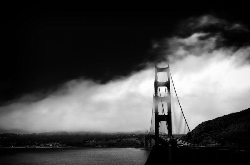 Golden Gate Bridge in Morning Fog