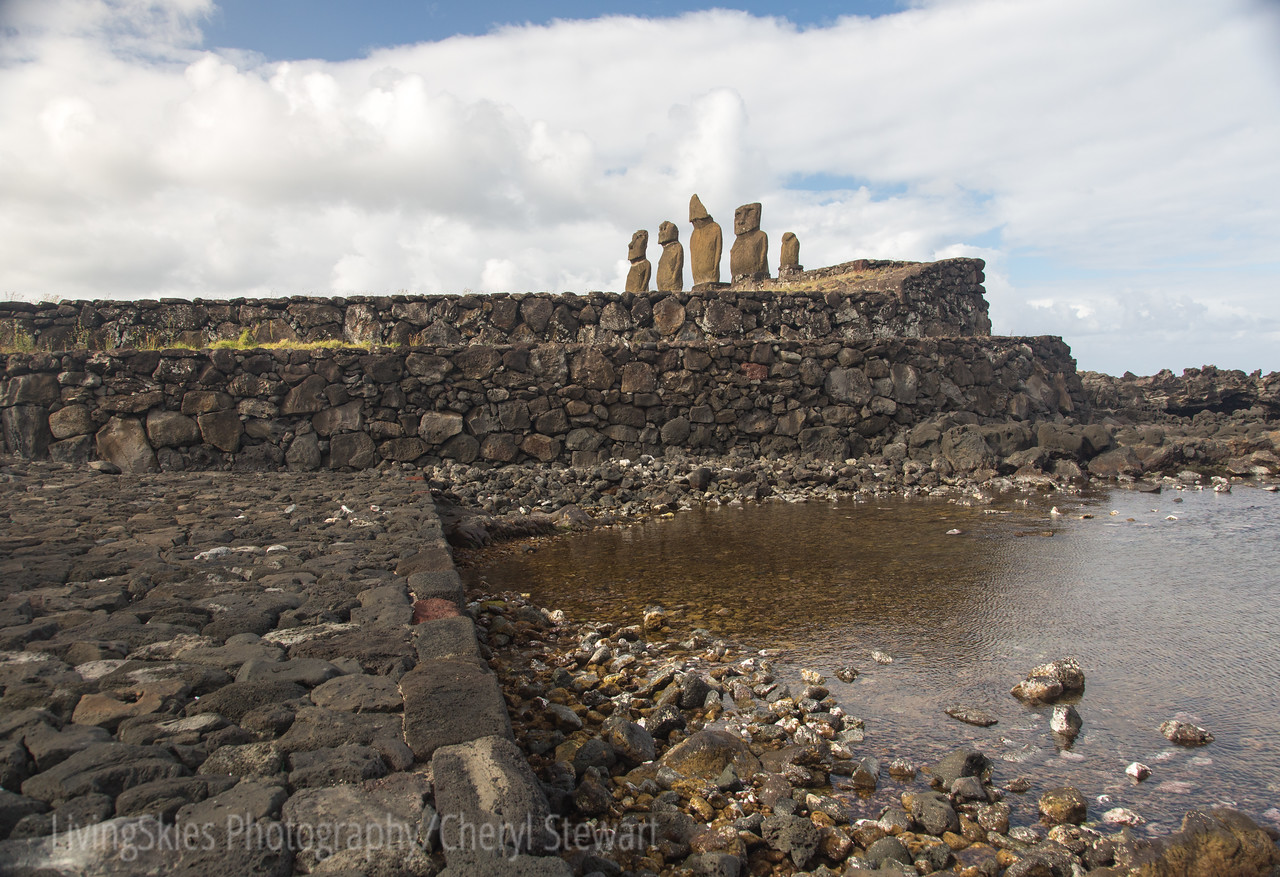 Ahu Vai Uri, part of the Tahat Archeological complex- the stonework along the waterfront is unbelievable