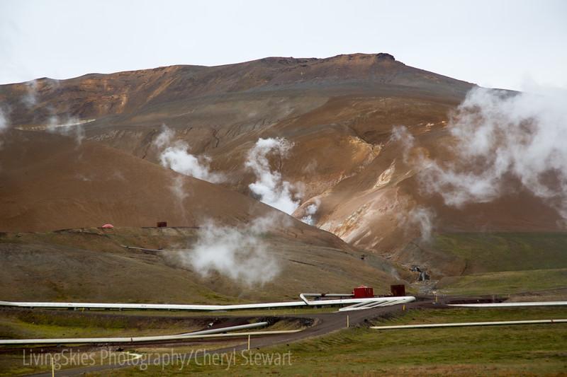 Geothermal heating pipes