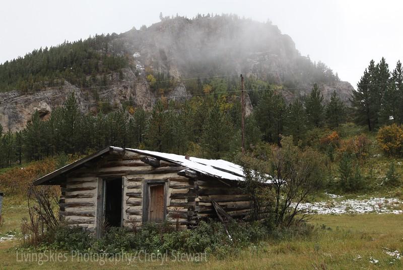 Log building, homestead, Zortman Montana