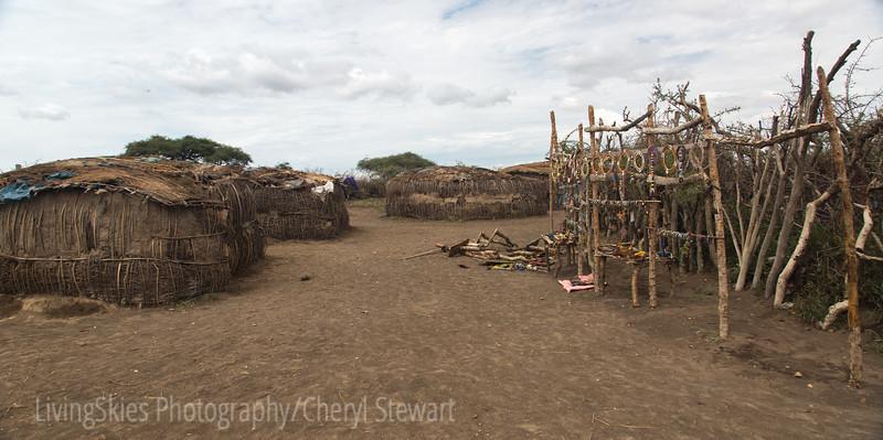 "Massai village, houses & ""gift shop"""