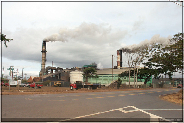 This is a quick (while in a moving vehicle) picture of the Sugar factory on Maui.  It's chugging away processing all that sugar cane and turning it into that sugar that we Americans love so much.