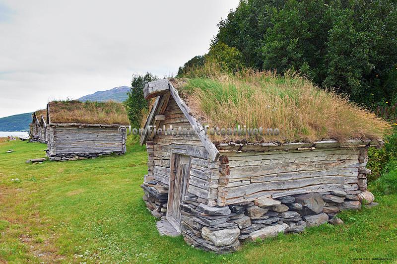 GAMLESJØHUS(FJÆREBUER)VEDBIRTAVARRE-KÅFJORDKOMMUNE-TROMS