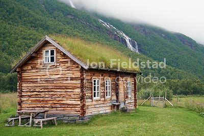 HOLMENES SJØSAMISKE GÅRD - KÅFJORD - TROMS