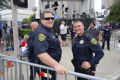 Lots of HPD, Harris County Sheriff's, Constables, DPS