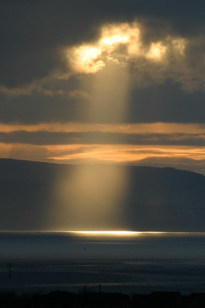 Light on the firth of Clyde from Stable Wynd 2006