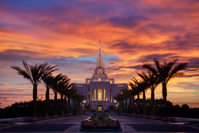 Gilber Arizona Temple under sunset colors