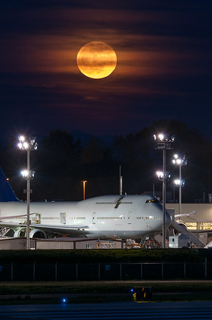 Moonrise over Paine Field 2