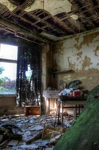 Manor-Pottering-Room