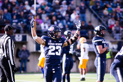 Gaje Ferguson pumps up the crowd before a defensive third down in the last home game of the season against San Jose State on Nov. 11, 2018 in Logan, Utah. Aggies went undefeated on their home turf with a 62-24 win against the Spartans. (Megan Nielsen)