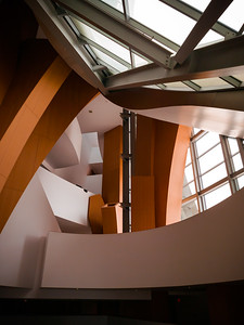 This is the first time Valerie and I peek inside the Walt Disney Concert Hall's lobby
