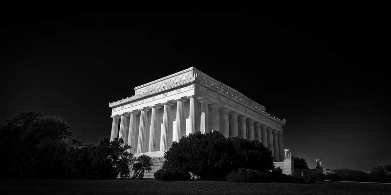 The Lincoln Memorial<br /> <br /> Tech:<br /> Camera | Nikon D80<br /> Lens | Nikkor 12-24mm<br /> Exposure | 1/45sec;  f/11; ISO 100<br /> Filters: Hoya Circular Polarizing Filter