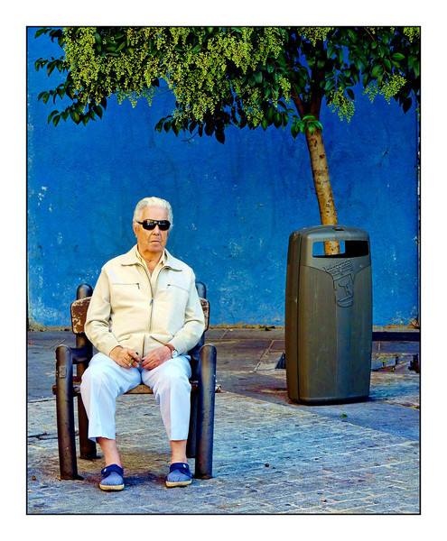 Watching time passing by in Alicante. № 1 [Original Color Version]