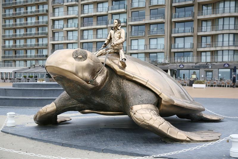 Nieuwpoort - De schildpad van Jan Fabre