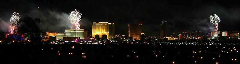 New Year\'s Eve 2007-8 fireworks over the Las Vegas Strip