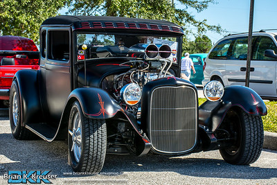Vietnam Memorial Wall Car Show 2014