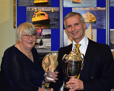 Russell collects the Courage Barclay (Cowes Tuesday)
