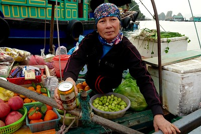 Ha Long floating market