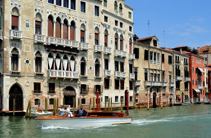 Venice 825