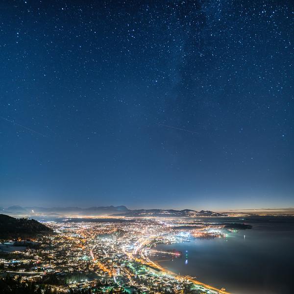 Bregenz mit Sternenhimmel Quadrat