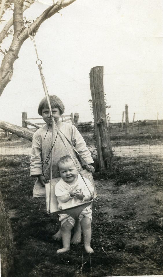 003 Roa, Eva, Spring, 1923