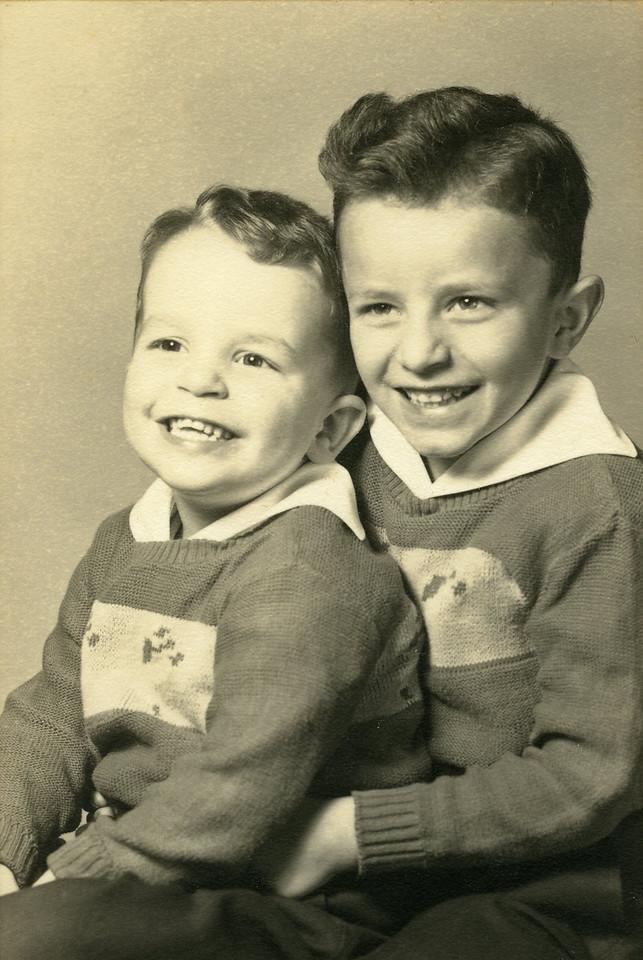 038 Russel, Paul 1949