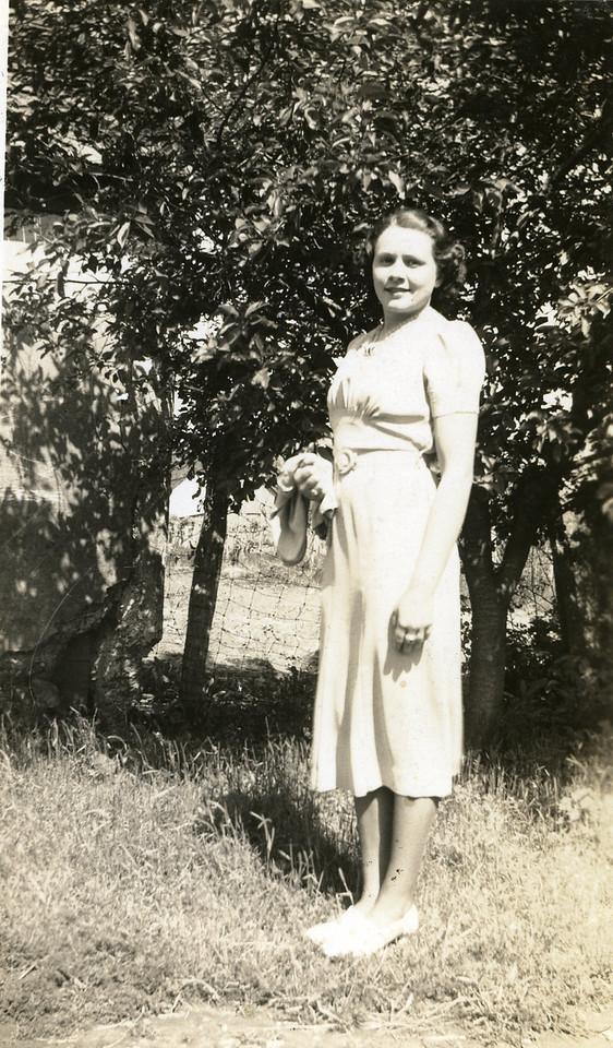 015 Eva, Spring 1938
