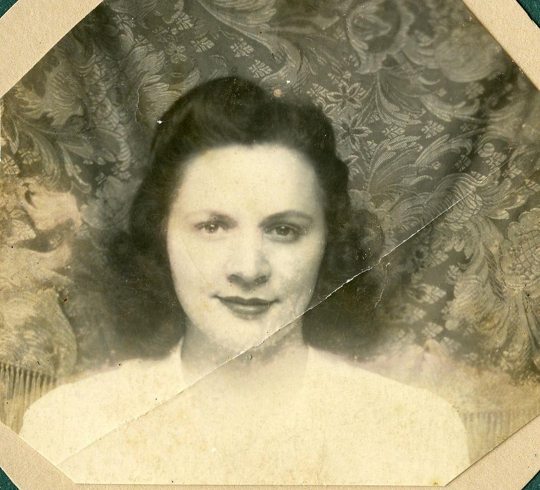 019 Eva, 1942