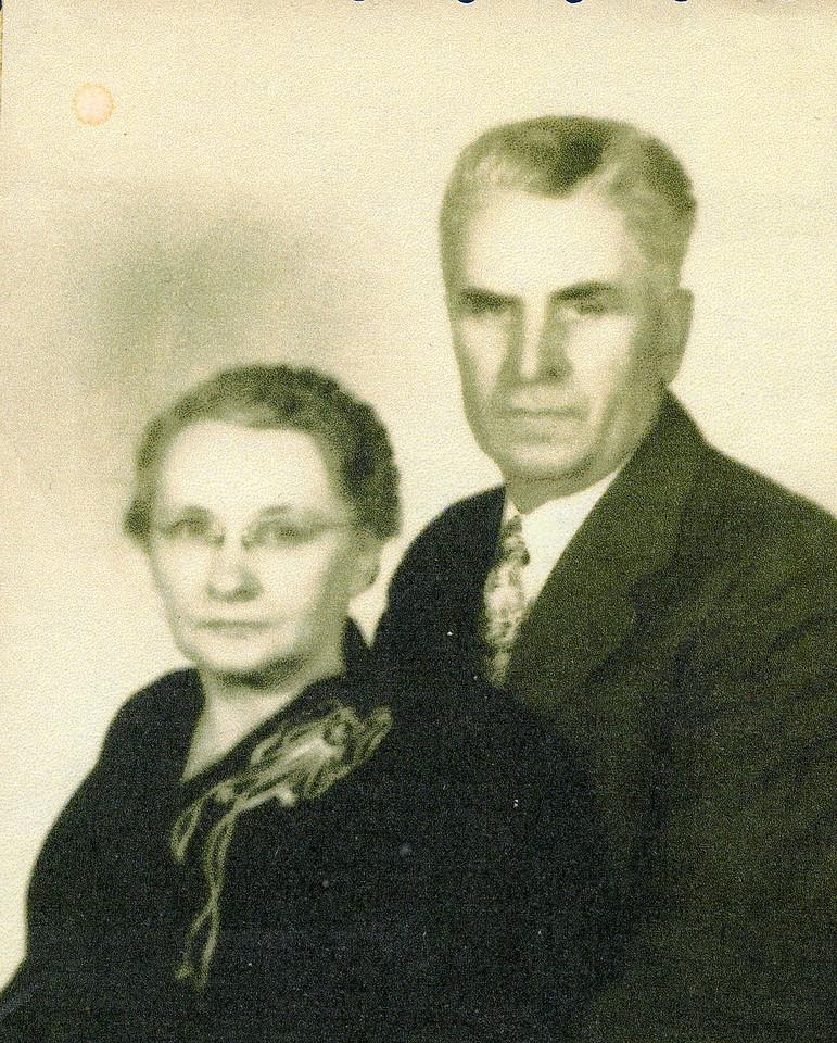 001c Grace and Jesse Payne