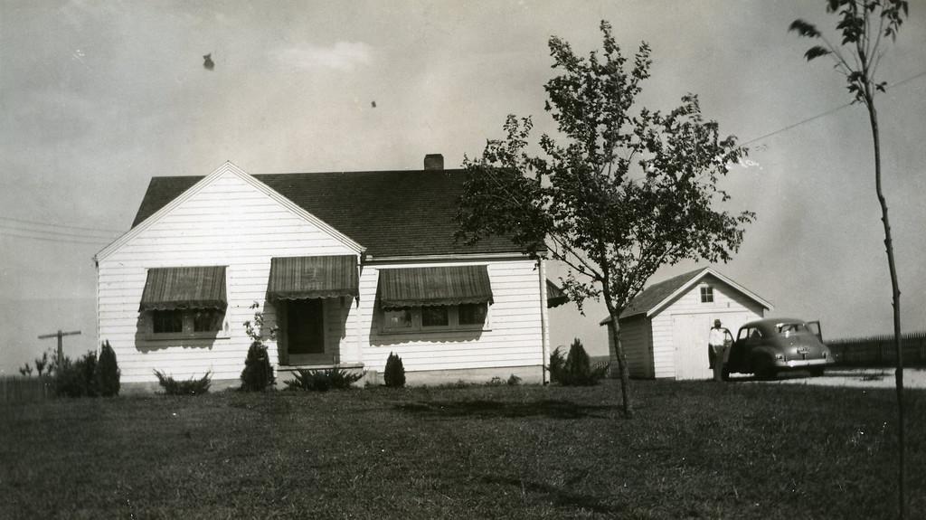 034 Paul & Eva's home in Springfield 1945-1946