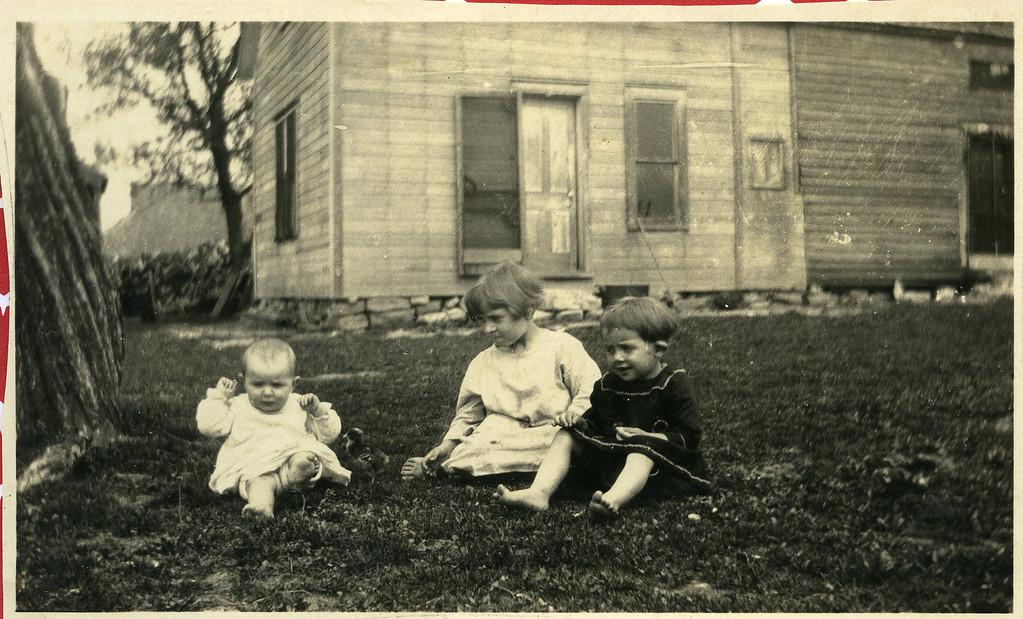 005 Eva, Roa, Ava April 27, 1923