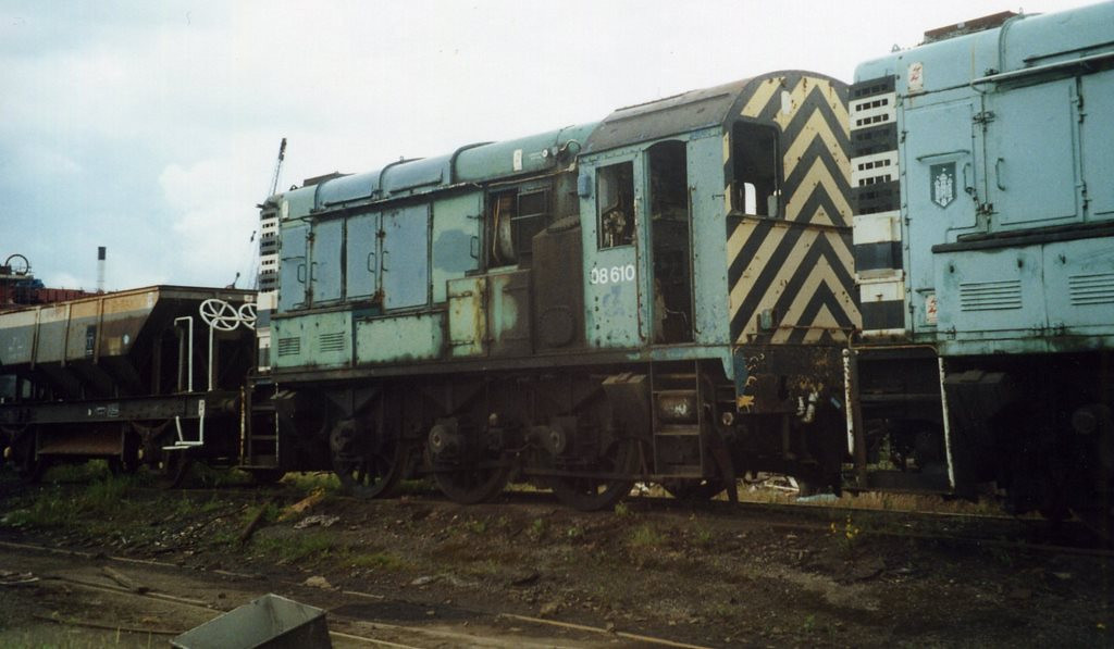 08610, CF Booth, Rotherham. July 2000.