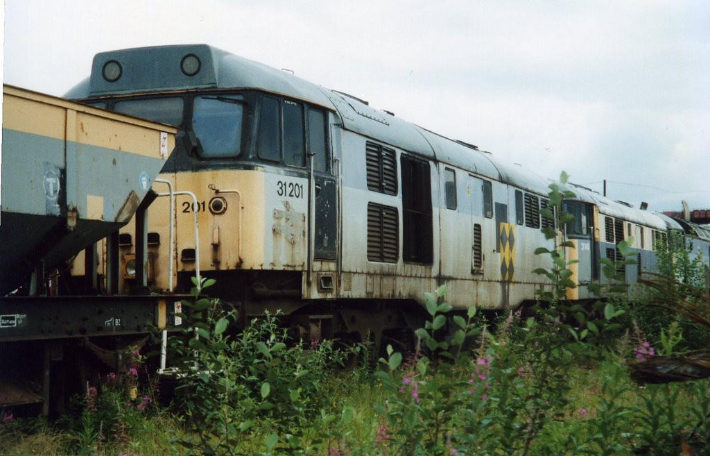 31201, CF Booth, Rotherham. July 2000.