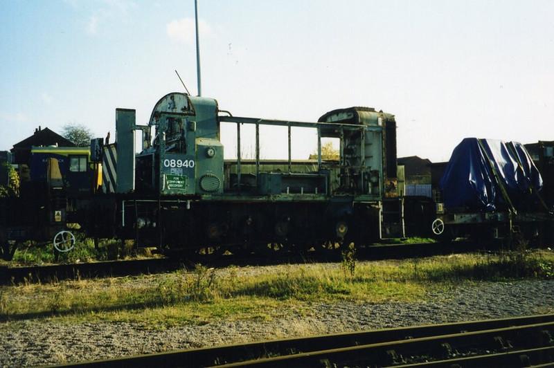 08940, Wigan CRDC. November 2002.