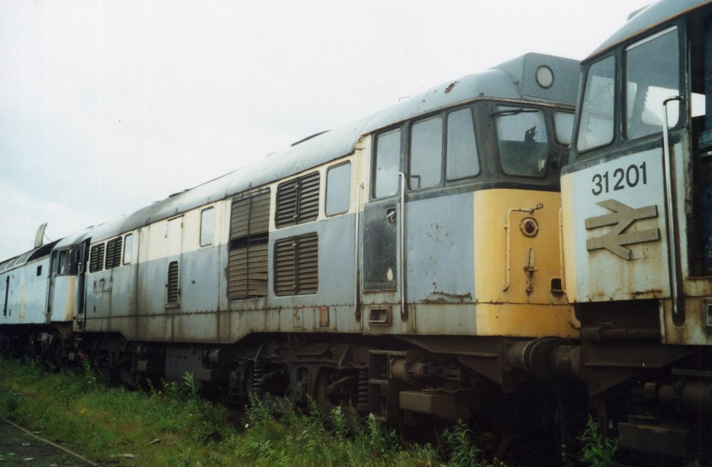 31146, CF Booth, Rotherham. July 2000.