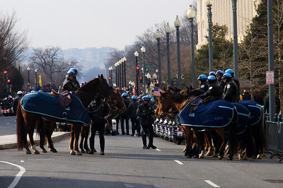Mounted officers along Inaugural Parade route
