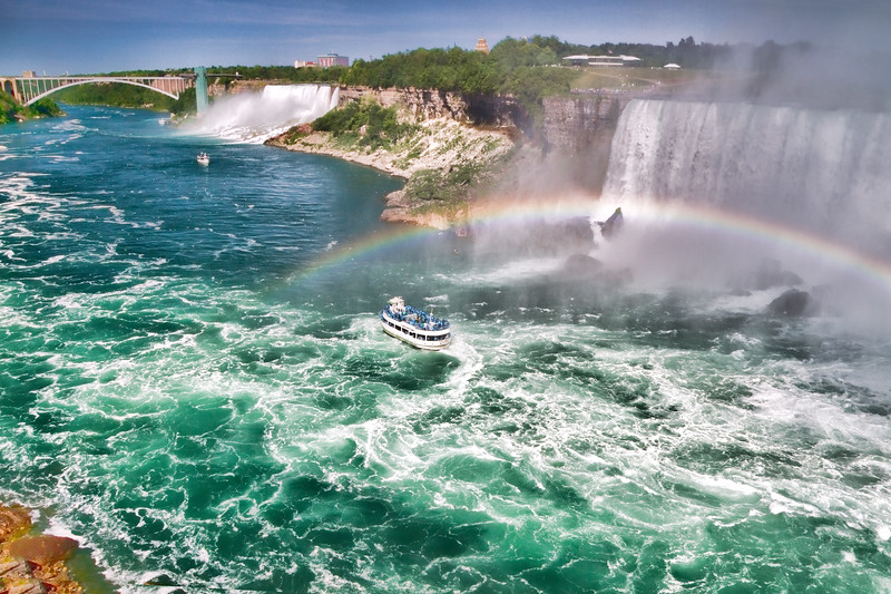 Niagara Falls showing the Canadian and American Falls