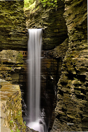 Waterfall Cavern Cascade in Watkins Glenn