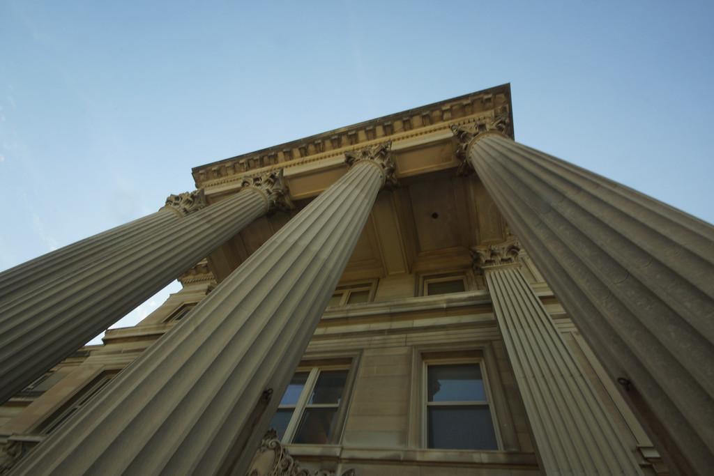 LOSER - ARCHITECTURE