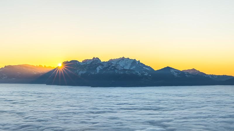 Am Breiten Berg mit untergehender Sonne am Alpstein
