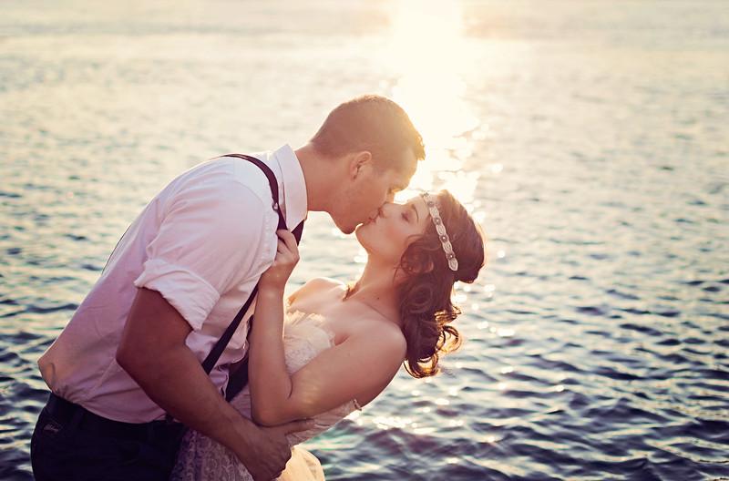 Sunset Kiss + Vintage Wedding Shoot