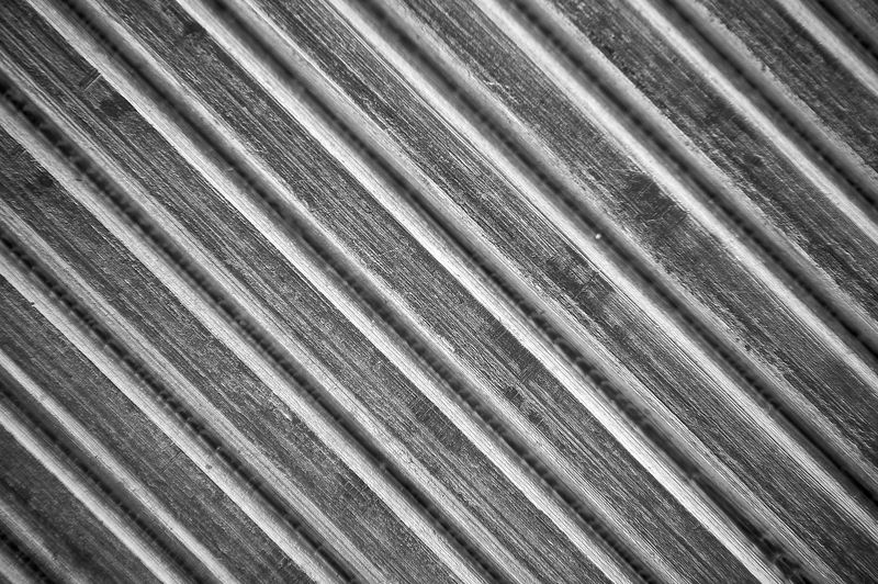 Guess what this is.  Leave a comment below.  This photo has not been cropped from the original.  This was taken with my 70-300mm lens mounted on the camera with my 60mm lens reversed & stacked on the end of the 70-300mm.  This is getting close to a microscope.  At 5X magnification it gets extremely difficult to focus on the subject.  You can see the setup on the first picture of the equipment gallery.  (click here to see the setup)