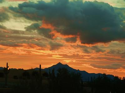 Sunset over Estrella Mts, Phoenix, AZ, jan 13, 2016DSCN0001