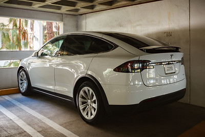 First time I commute to my office using my Tesla Model X is on a Sunday.  Yes, I'm working weekends (I did yesterday too).  Sadly, I am one of the only ones here...so no one gets to see the new toy.