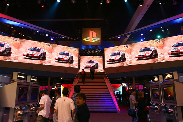 PlayStation booth entrance (GT4)